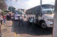 Transportistas exigen freno a invasión de unidades foráneas; no se respetan itinerarios
