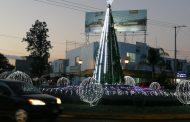 Adornan Glorieta 5 de Mayo con figuras decembrinas