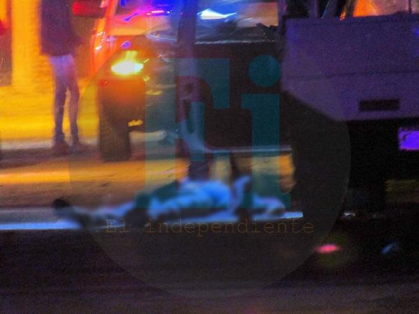 A balazos matan a dos ocupantes de una camioneta en Jacona