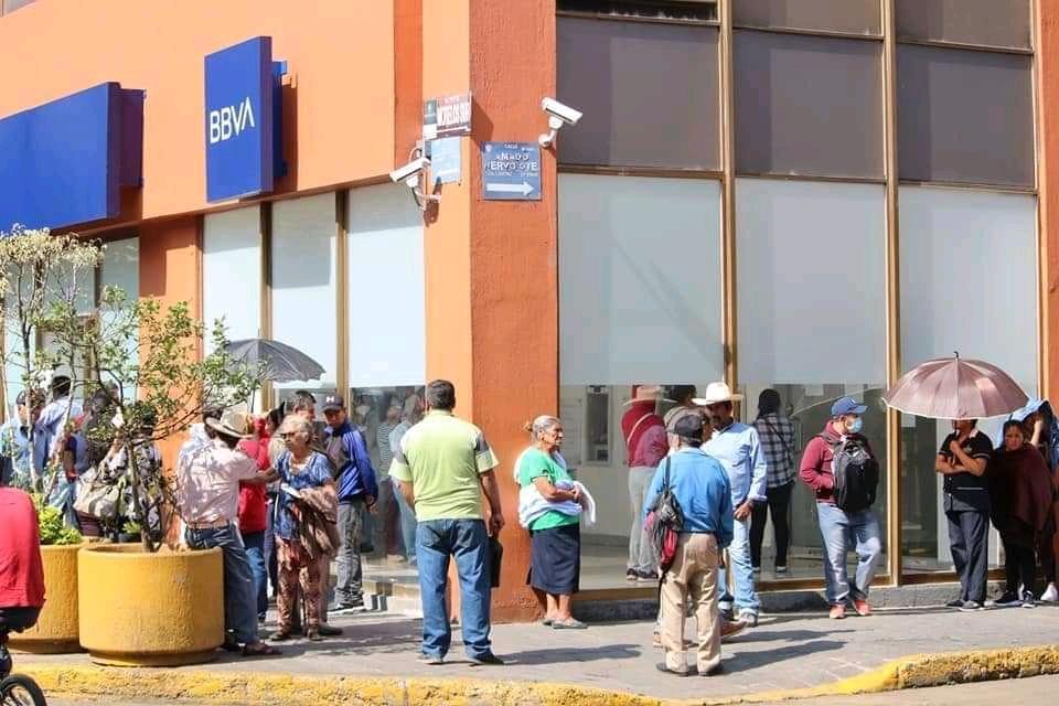Exigirán a bancos contratar mayor personal y ampliar horario de atención a clientes