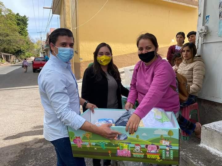 Noemí Ramírez distribuye 20 cunas para mujeres madres de familia