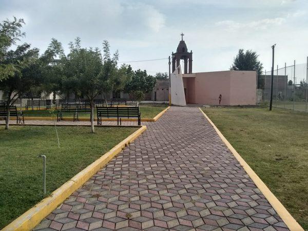 Techar auditorio y remozar capilla y plaza, compromiso con Estancia de Amezcua