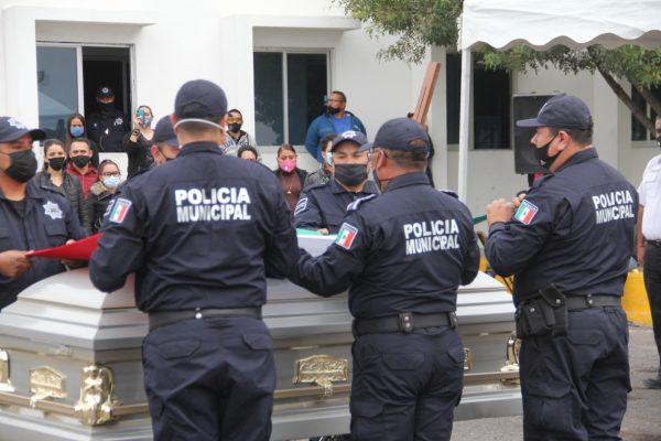 Rinden homenaje a policía caído en cumplimiento de su deber