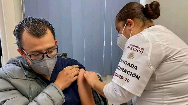 Aplicación a población abierta de vacuna preventiva contra COVID hasta abril
