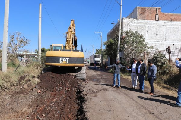 Inicia pavimentación en calle Labastida de Zamora