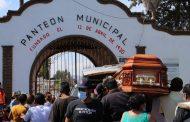 Mantienen restringido acceso a panteón municipal; solo ingresan 20 personas a exequias