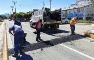 A petición vecinal, Instalan topes en zonas de riesgo peatonal