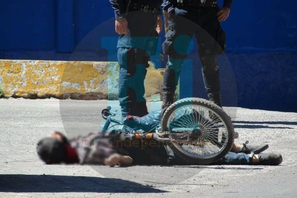 """Asesinan a """"El Paletas"""" cuando viajaba en su bicicleta"""