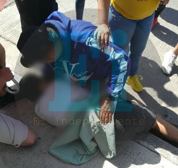 Menor de edad es atacado a tiros en la Generalísimo Morelos
