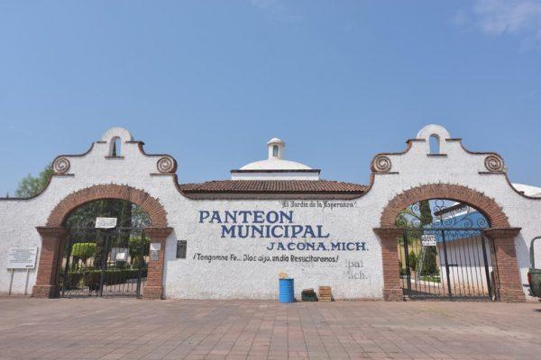 Jacona ordena cierre temporal del panteón