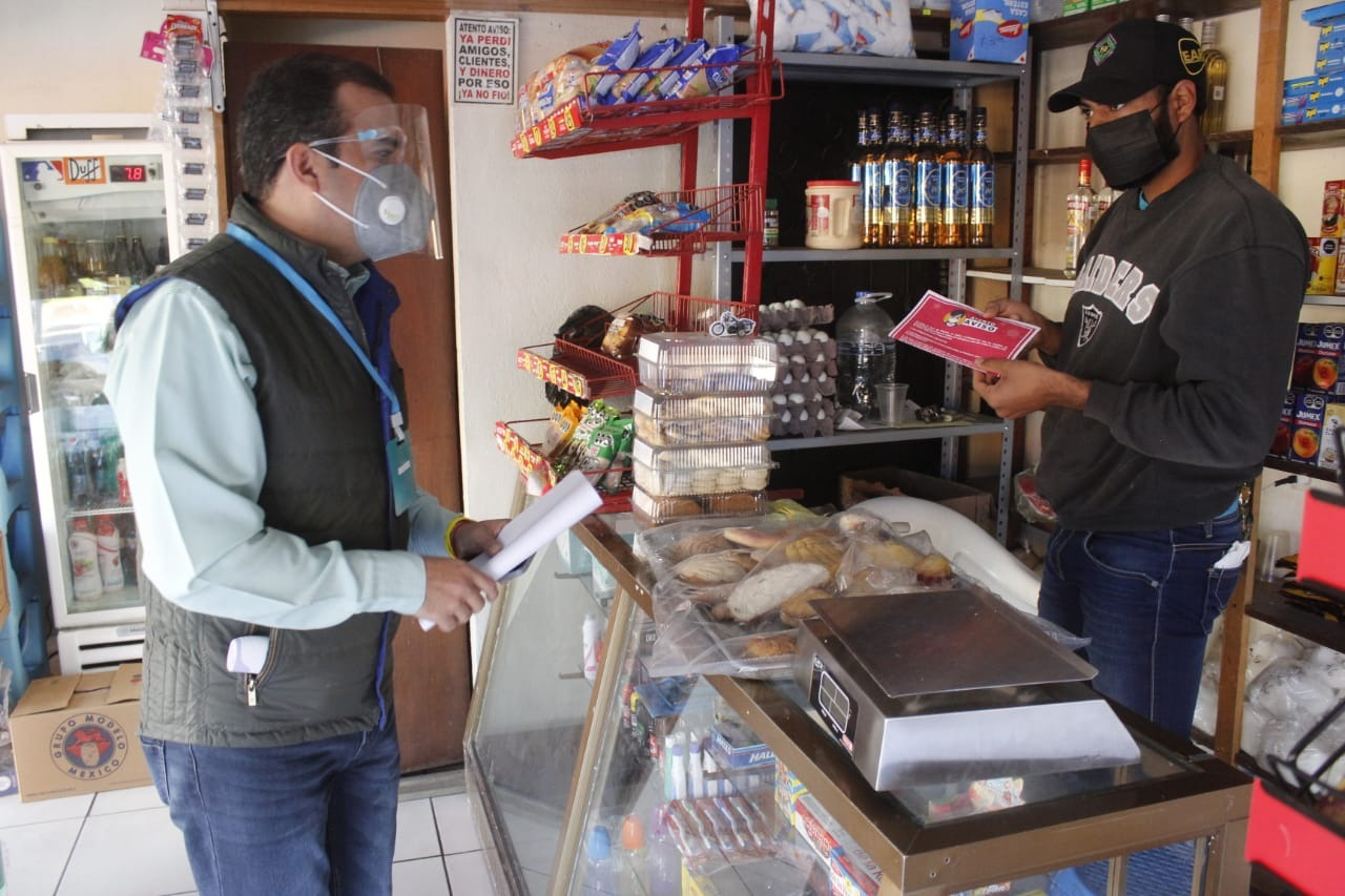 Ángel Macías acompañó a brigadas de los guardianes de la salud en Ixtlán