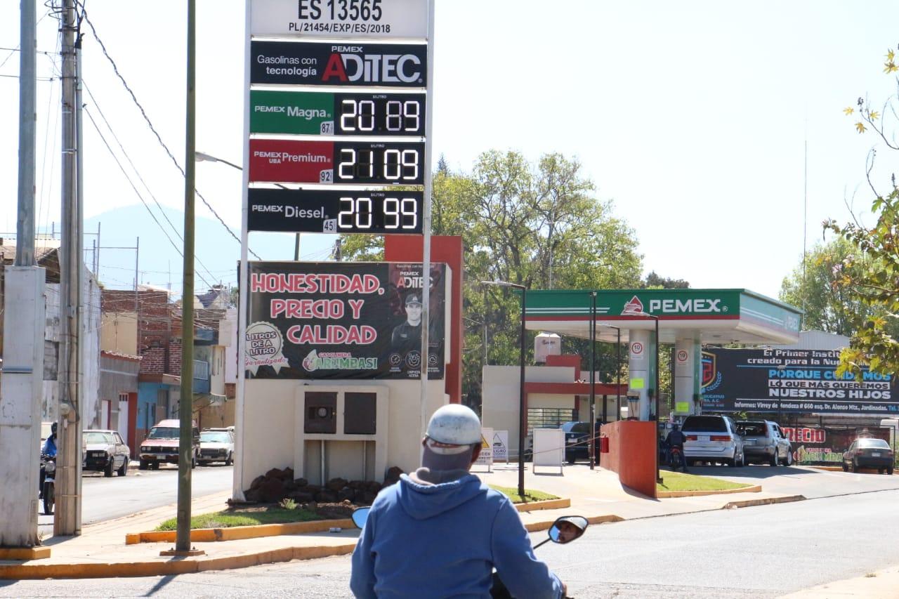 No se detiene, sigue en alza precio de gasolina; en 15 días llegó a casi 21 pesos por litro