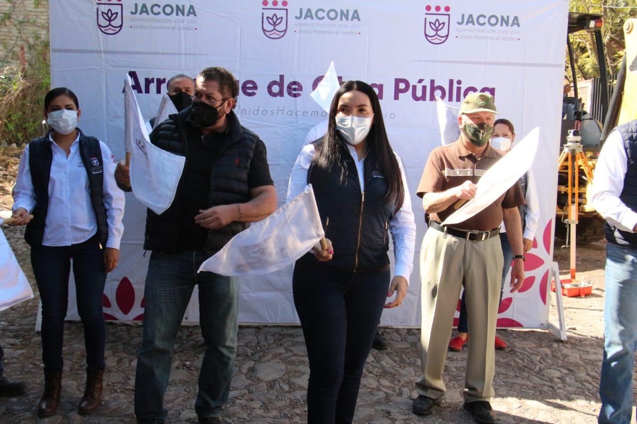 Arrancan trabajos de pavimentación en calle Roque de Jacona