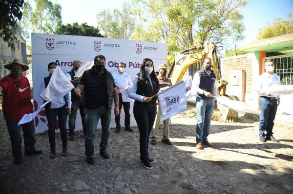 Adriana inició nuevos trabajos de obra pública en Jacona