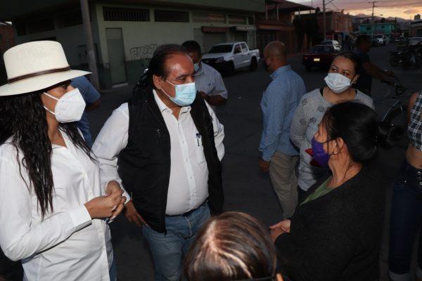 Atiende ayuntamiento zamorano peticiones en la Salinas de Gortari