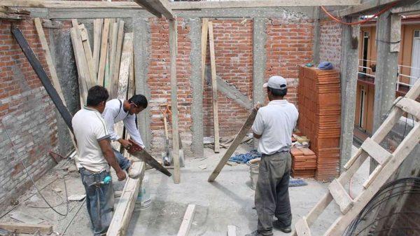 COVID paraliza industria de la construcción; no hay dinero ni garantías para urbanización