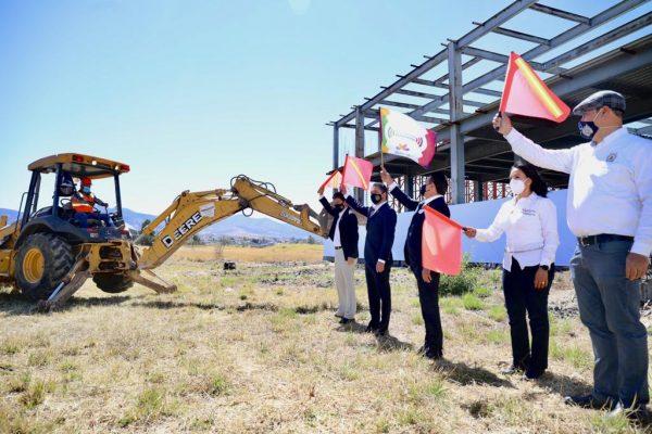 Suma Gobierno del Estado 350 mdp en obras para UMSNH