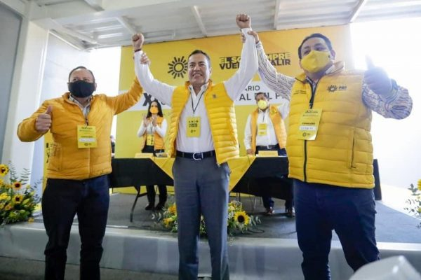 PRD Michoacán toma protesta a Carlos Herrera Tello como su candidato a la gubernatura