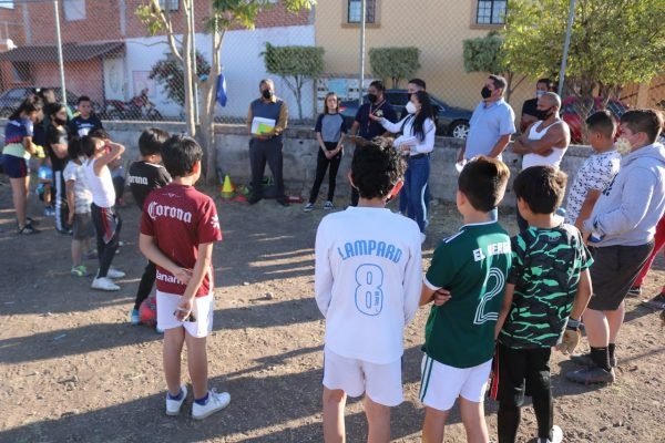 Rehabilitarán cancha de fútbol en Zamora