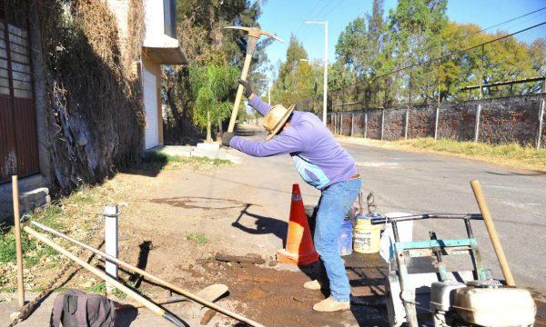 Sapa Jacona apoya en trabajos para el mejoramiento de los campos Amado Nervo