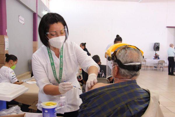 Concluyó 4to día de vacunación en Jacona contra el covid; 3,500 dosis aplicadas