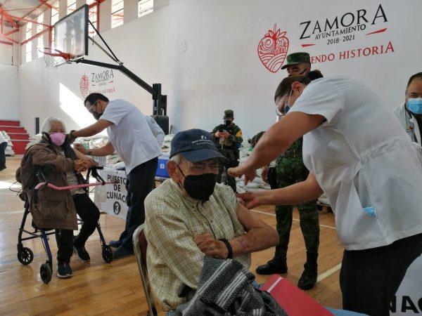 Concluye exitosamente 1er día de vacunación en Zamora