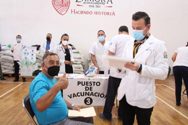 Reciben Vacuna miles de adultos mayores en Zamora