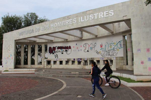 Vandalismo se apodera de espacios públicos; zamoranos lamentan daños urbanos