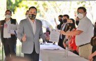 Es oficial, Carlos Herrera presenta su registro como candidato ante el IEM