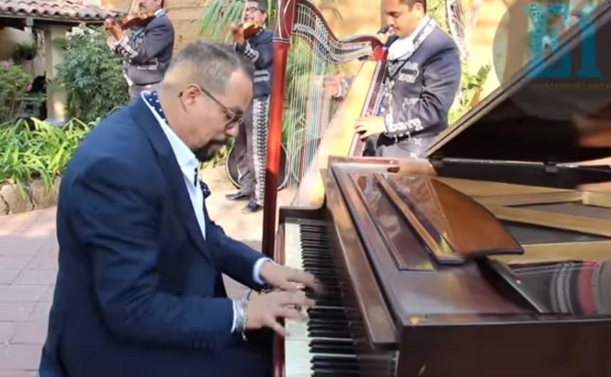 """Joshuel fusiona por primera vez piano y mariachi con """"Corazón de Niño"""""""