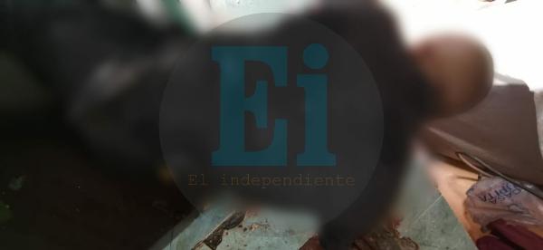 Gatilleros irrumpen en vivienda de Atacheo y con armas largas ejecutan a un hombre