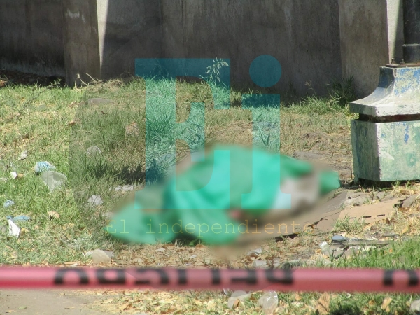 Localizan cadáver desmembrado y encobijado cerca del Lago Orandino