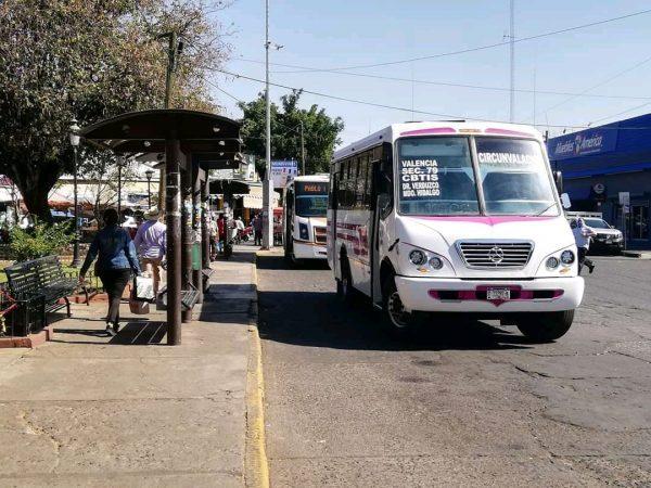 Transporte público se mantendrá con restricciones hasta regreso escolar