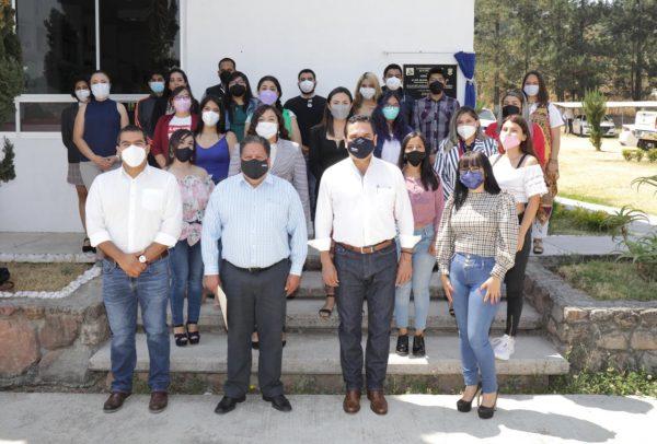 Gobierno y estudiantes hacen frente a retos educativos por COVID-19