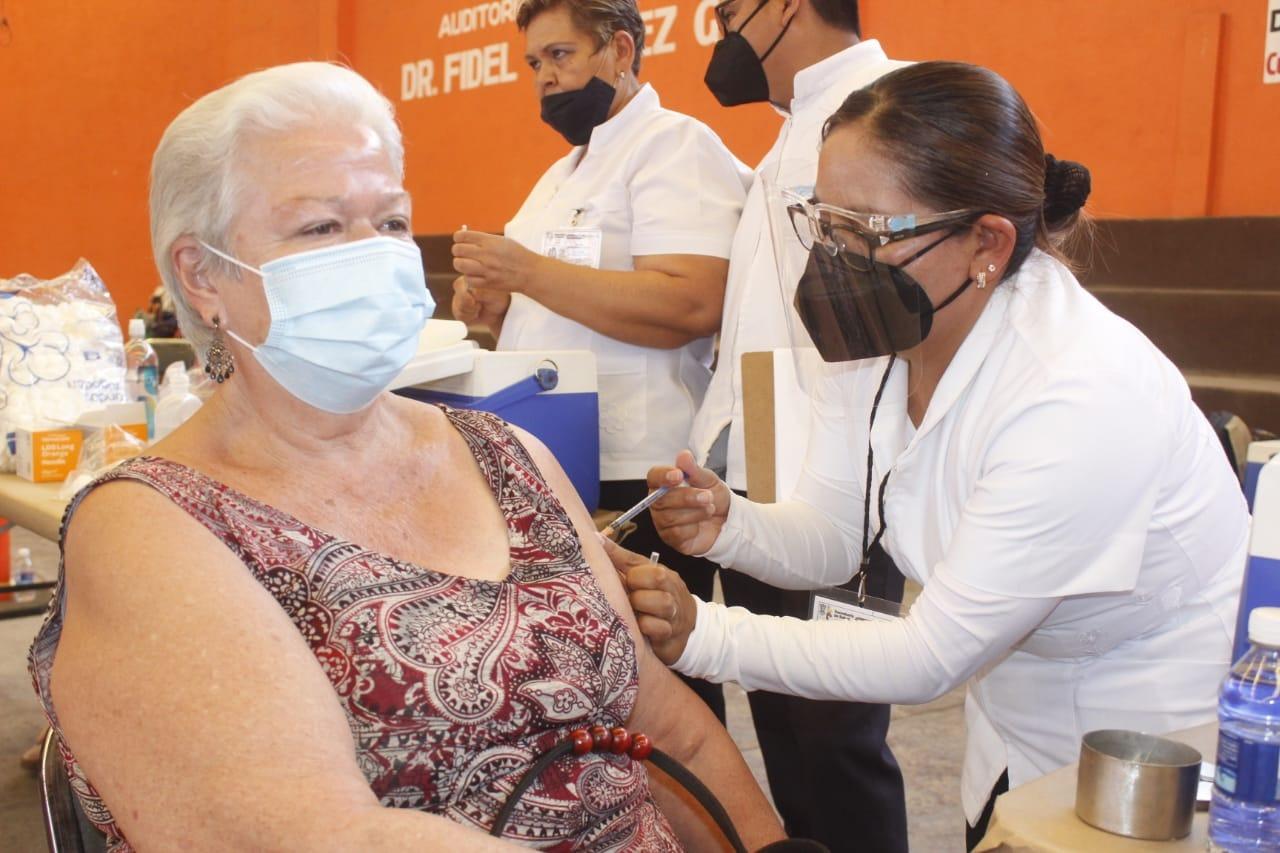 En Ixtlán aplicaron mil vacunas de la segunda dosis anti COVID-19 a los adultos mayores