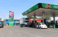 Depender de gasolina gringa, eleva costo del combustible en México