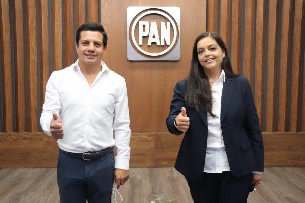 OSCAR ESCOBAR PRESENTA LICENCIA COMO DIRIGENTE DEL PAN, TERESITA HERRERA ASUME LA PRESIDENCIA