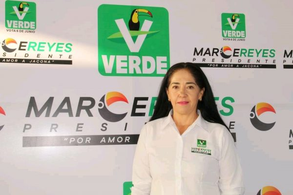 """""""Voy a servir a Jacona con honestidad, valores y resultados"""": Marce Reyes"""