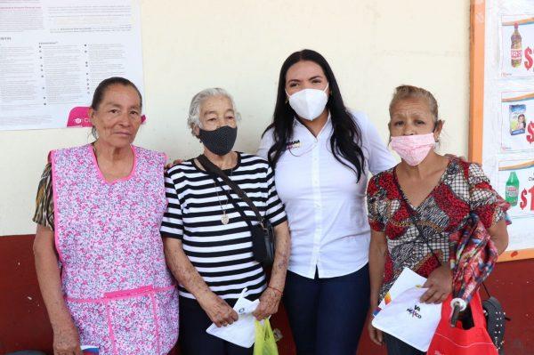 La gente de Paracho va con Adriana Campos