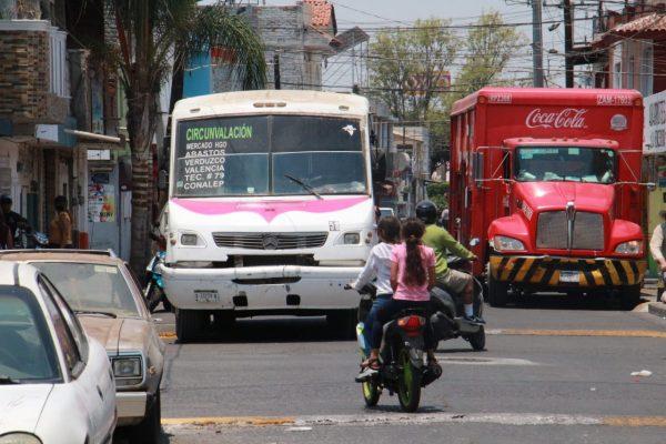 Crisis en sector transporte sigue; sin clases presenciales no hay pasajeros