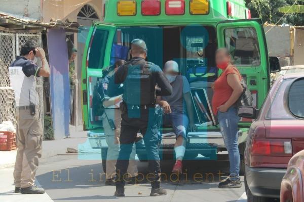 Gatilleros atacan y hieren a conductor de camioneta; además lesionan a un peatón en Zamora