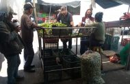 Comerciantes del mercado Hidalgo externan a Yolanda Guerrero sus necesidades en seguridad y salud