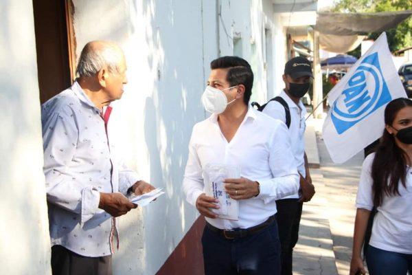 Con mensaje de unidad, Oscar Escobar llegó a Nocupétaro