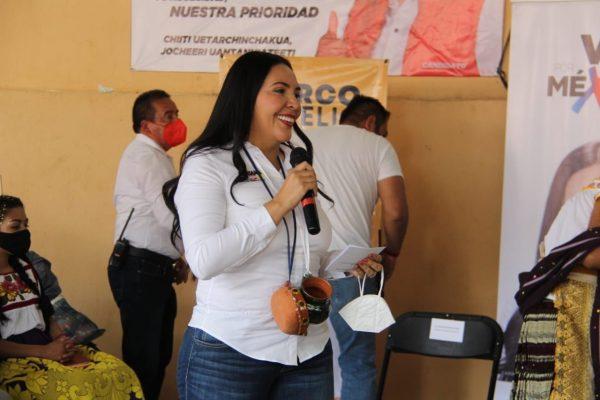 Chilchota va por México y Adriana Campos