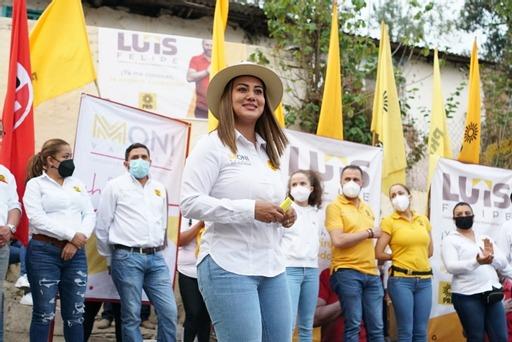 Moni Valdez recorrió las colonias Mújica y Emiliano Zapata en Zacapu