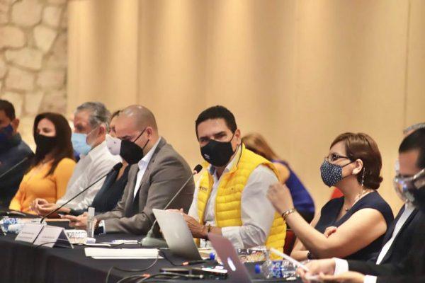 Vacunarán en Michoacán a más de 111 mil maestras y maestros de escuelas públicas y privadas