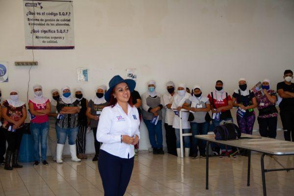 Las mujeres de Jacona son las mejores trabajadoras del estado: Raque Vargas