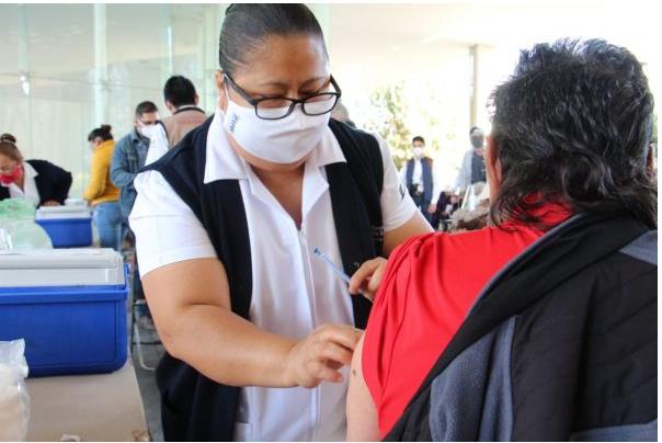 De última hora anticipan hoy vacunación en Zamora; será solo para mayores de 70 años