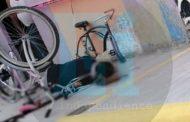 Mientras reparaba una bicicleta joven es asesinado a balazos en Jacona