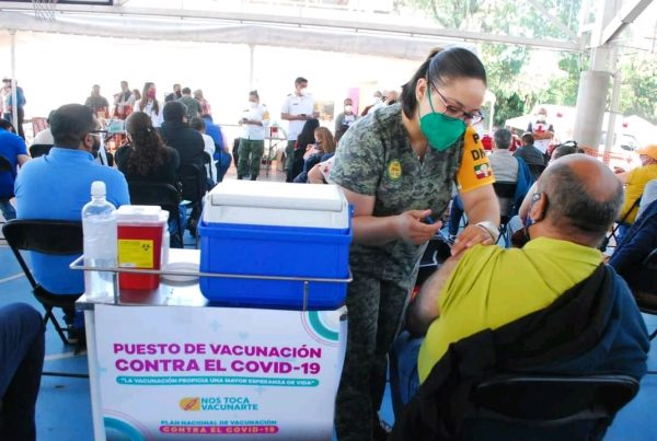 Arranca vacunación para personas de 50 a 59 años de edad; aplicarán 17 mil dosis